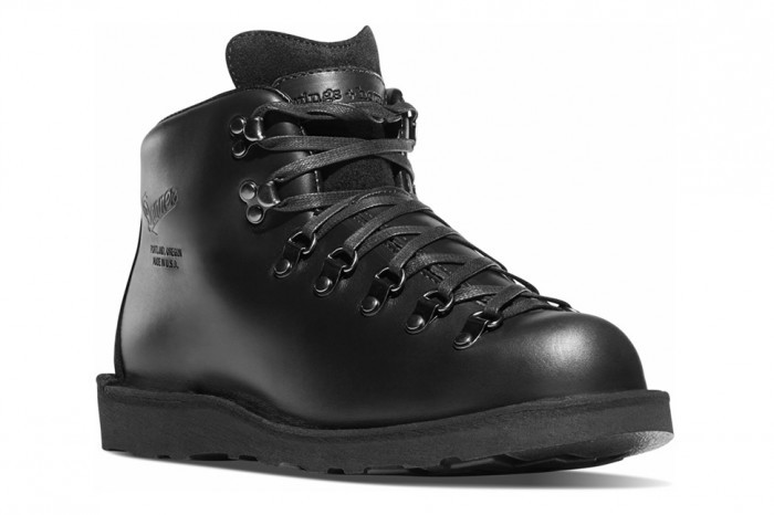 collab Wings+Horns x Danner.