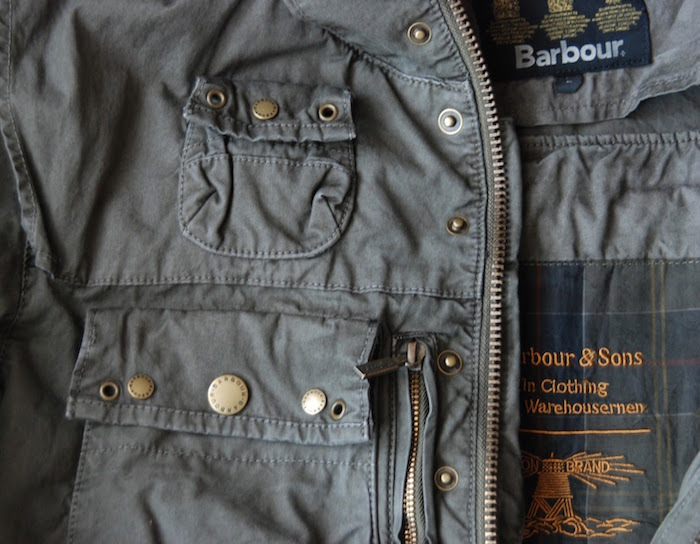 Comment Cirer Barbour