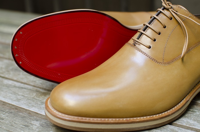 soldes louboutin homme montante
