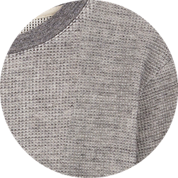 zoom sweat gris clair structure coton gaufré