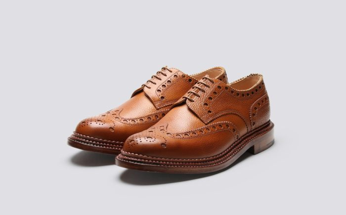 chaussure marron clair semelle triple perforations