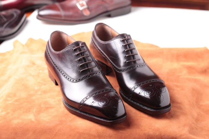 cuir marron perforation richelieu oxford