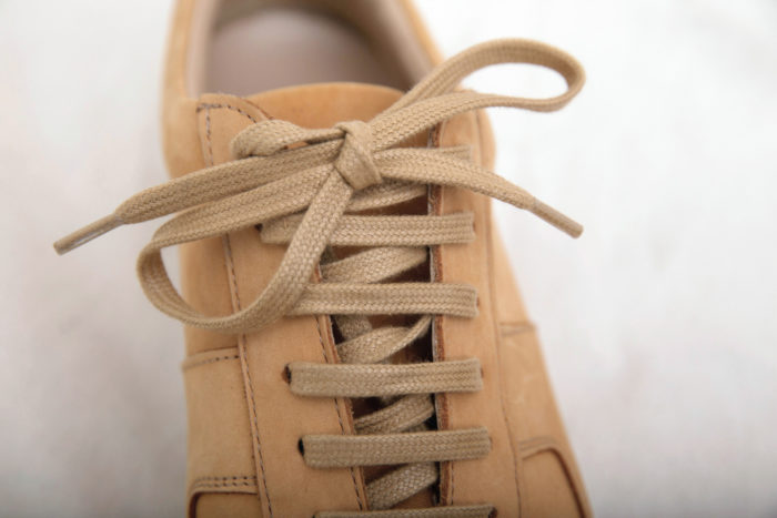 sneakers lacets